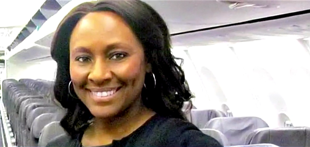 Flight Attendant Finds Note Written in the Bathroom, Rescues Teen Girl from Kidnapper