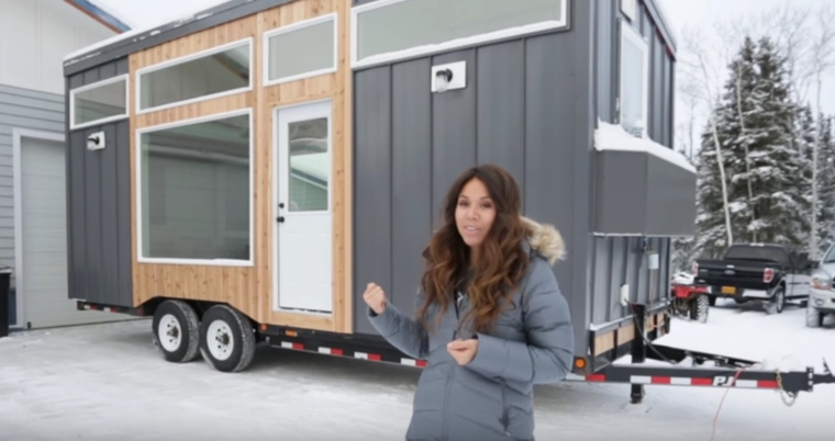Alaskan Couple Decides To Build A Tiny House, But The Interior is Breathtaking