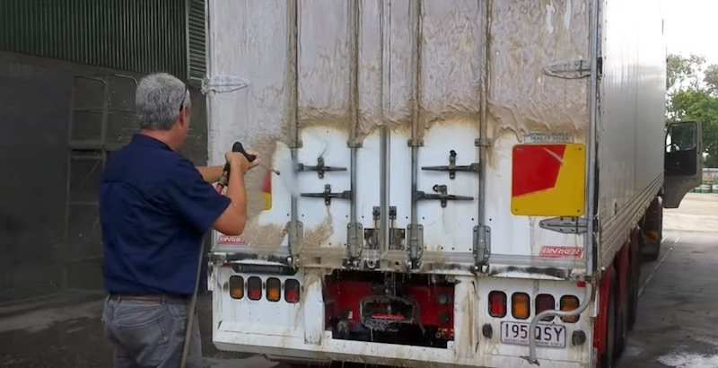 Used Work Trucks >> Nerta Cleaning Foam Solution: Give Your Trucks a Shiny, Touchless Wash