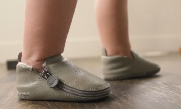 Buku Babies: Baby Shoes Zip All the Way to Front for Easy Access