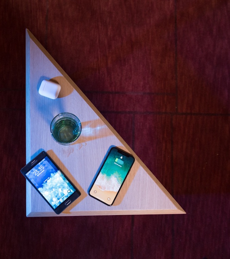 MOBILE Wireless Charging Table