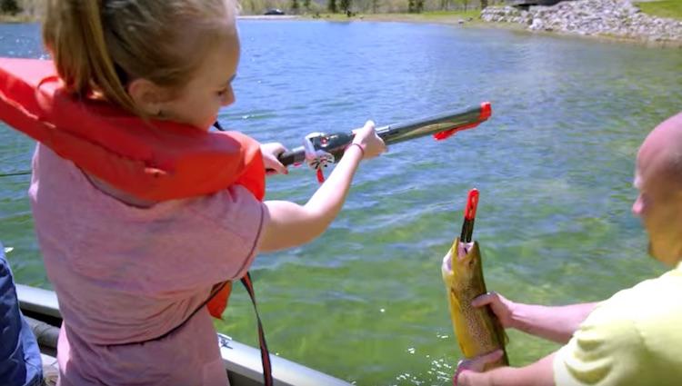 Rocket fishing rod kids fishing pole shoots bobber for Rocket fishing rod