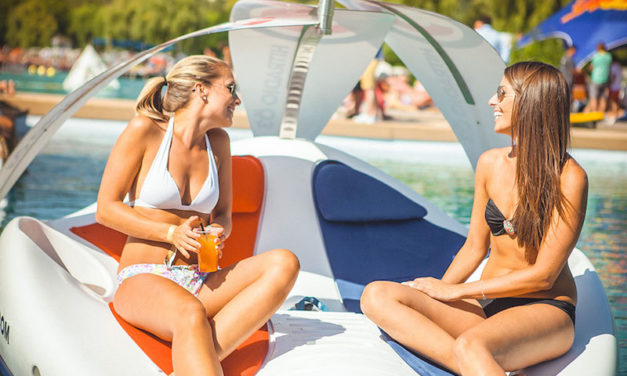 Chilli Island Boats: Relax on the Water in Luxury and Style