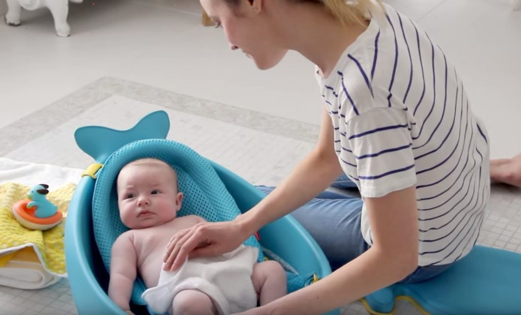 Skip Hop Moby: Baby Bath Tub Supports Your Newborn to Toddlers