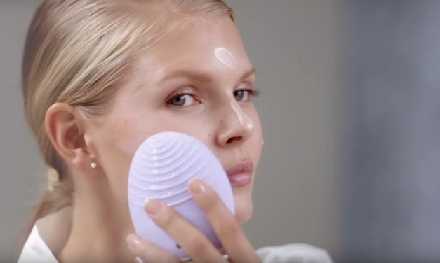 FOREO LUNA 2 Personalized Facial Cleansing Brush: Luxurious Care for Your Skin