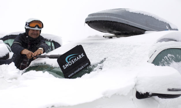SnoShark: The Compact and Convenient Snow Removal Tool